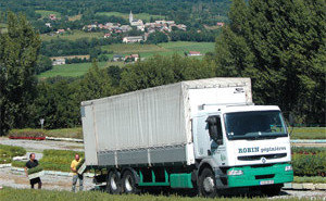 Loading Renault 26 tons in nurseries in Saint Laurent du Cros